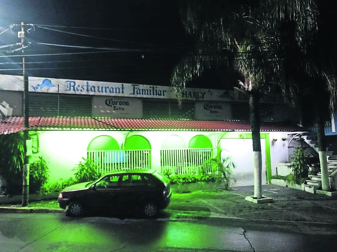plomean mesero cuatro balazos abdomen restaurante jiutepec