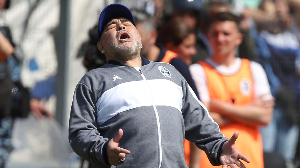 Gimnasia pierde en el  debut de Maradona