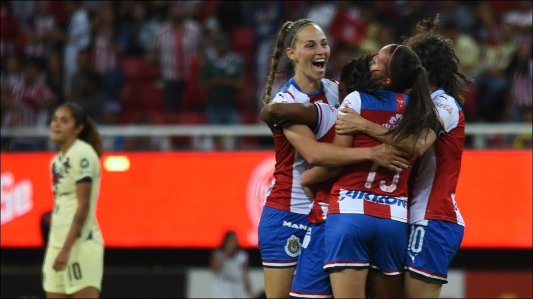 Chivas tiene festín de goles ante América en la Liga MX Femenil