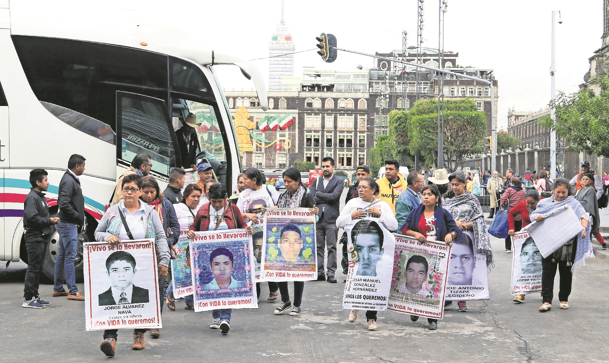 caso ayotzinapa autoridades padres normalistas 43 desaparecidos