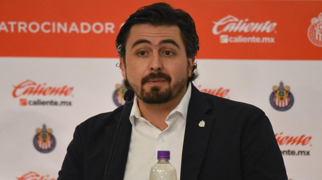 El nuevo presidente de las Chivas no ha logrado emular el éxito de su padre