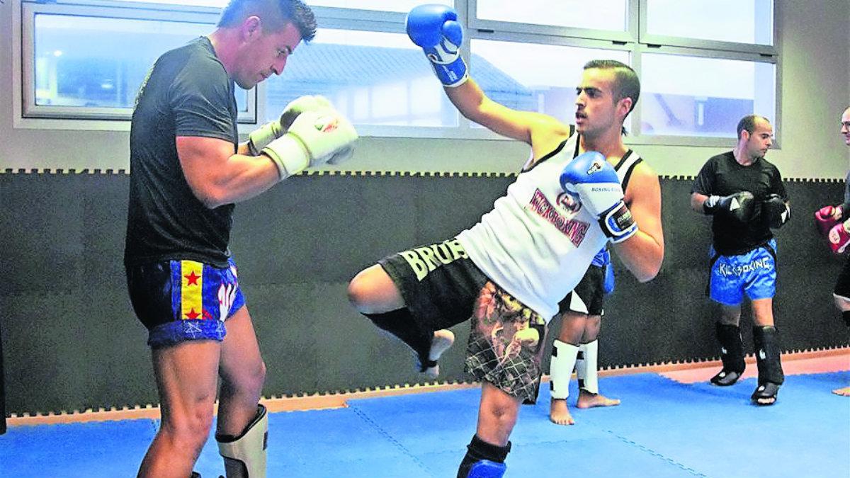 exhibición kick boxing artes marciales mixtas unidad deportiva cuernavaca