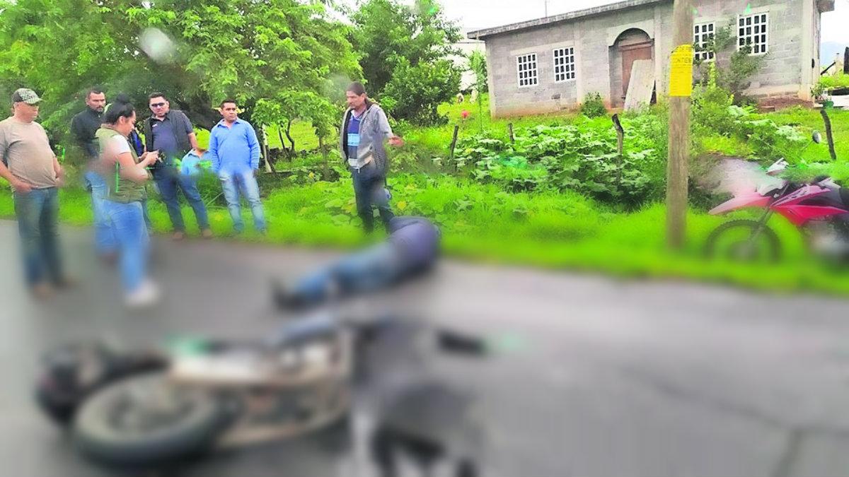 motociclista derrapa y pierde el control edomex