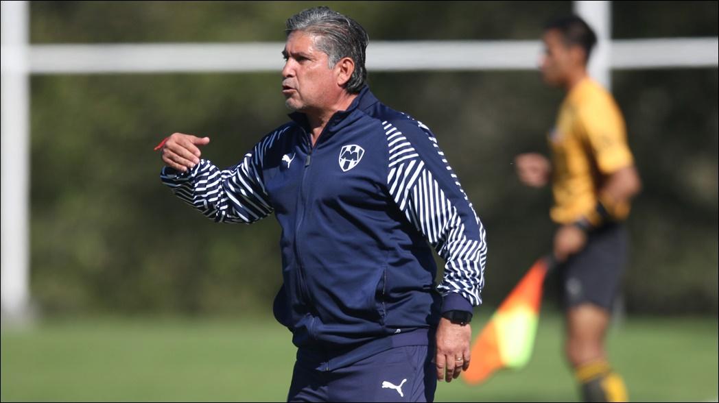 El estratega toma las riendas tras la salida de Diego Alonso