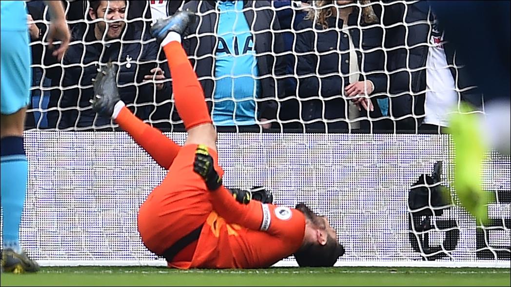 Escalofriante lesión del portero del Tottenham