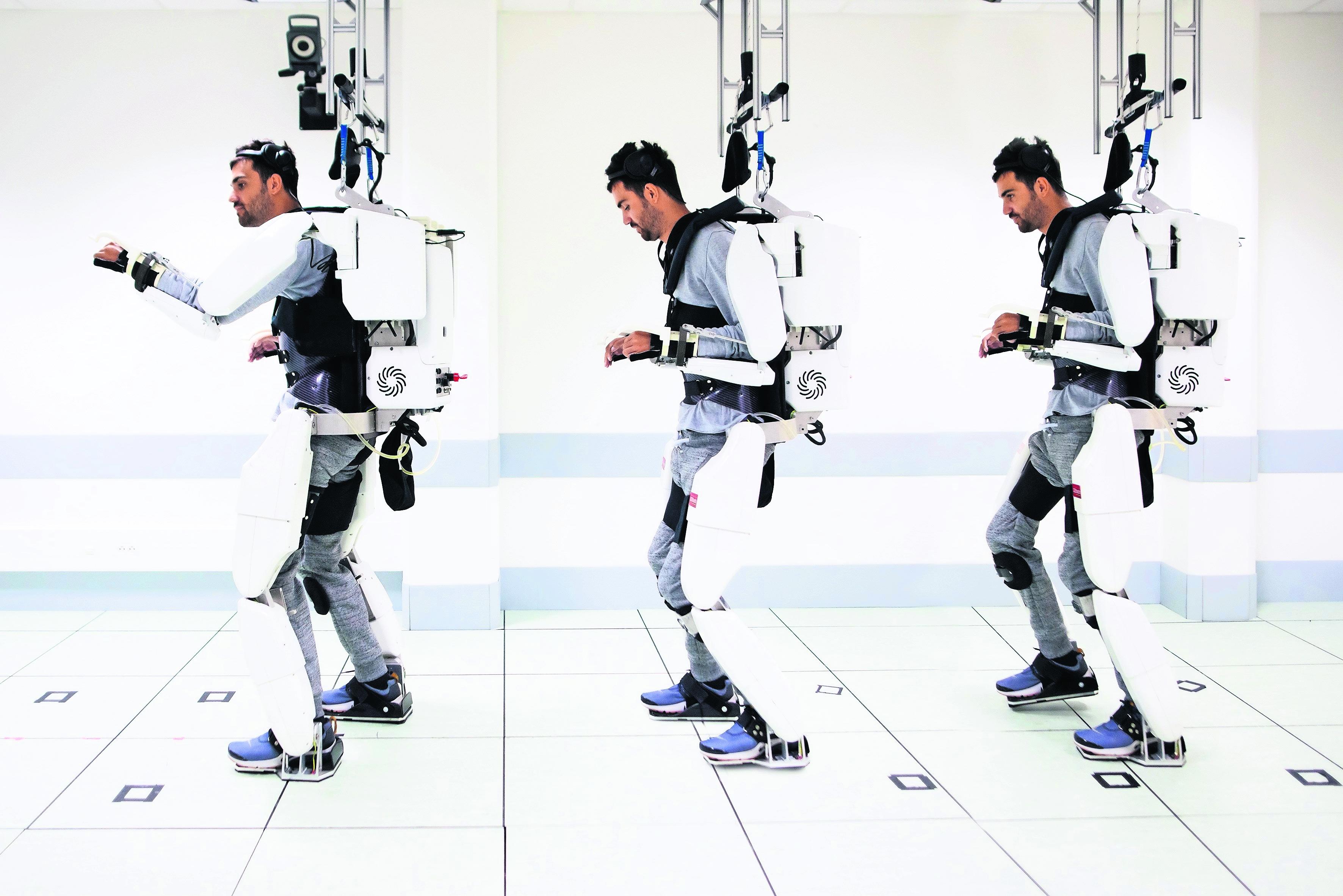 cuadrapléjico movilidad tecnología exoesqueleto armadura motorizada francia