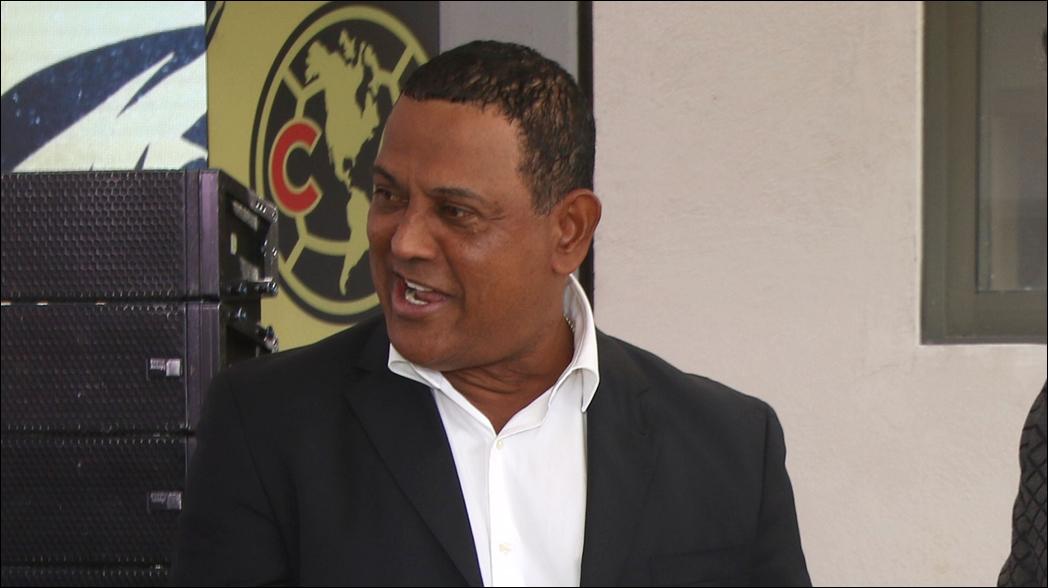 'Negro' Santos revienta a comentarista de Televisa Deportes