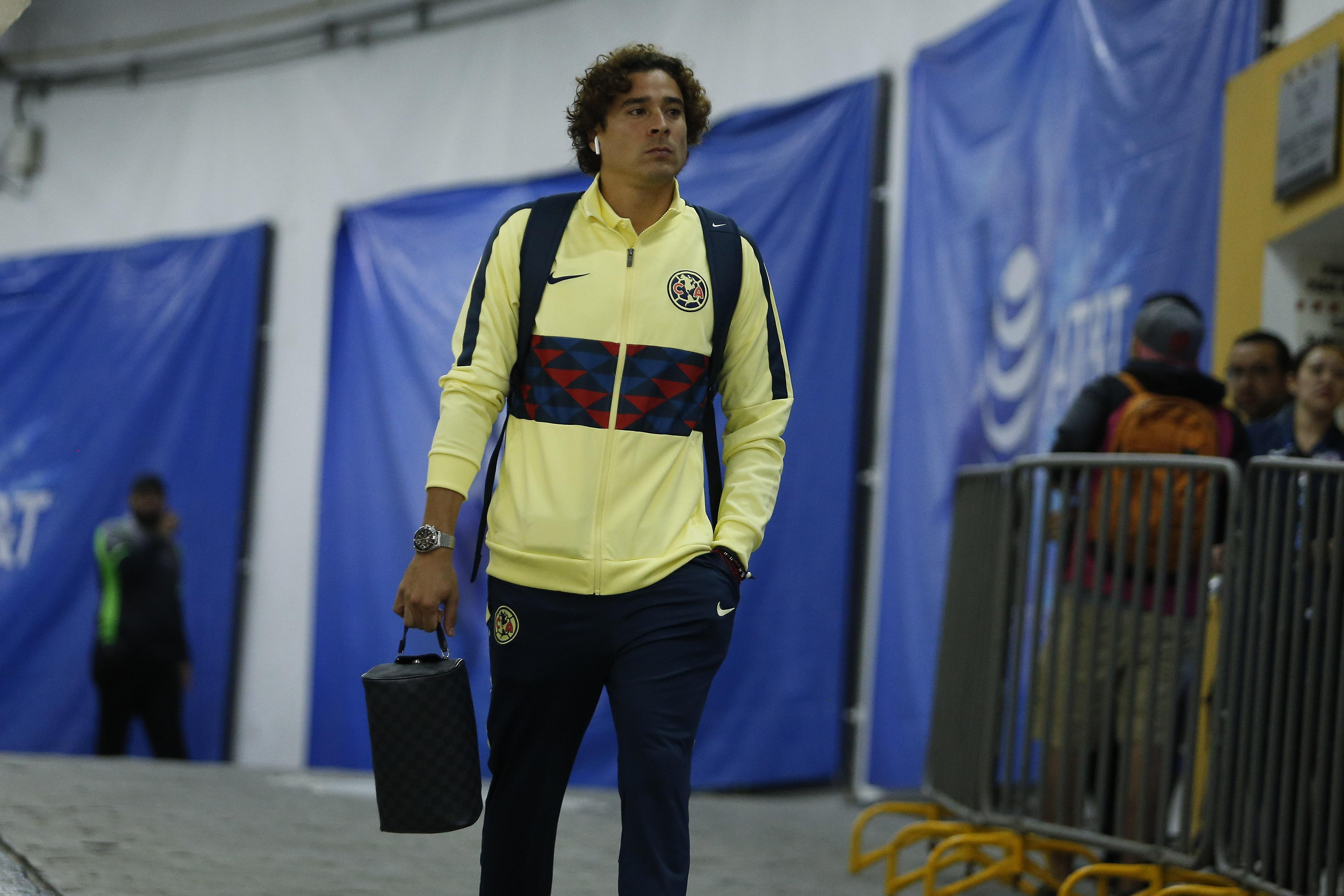 Guillermo Ochoa reveló que el Standard frustró su fichaje con el Nápoli