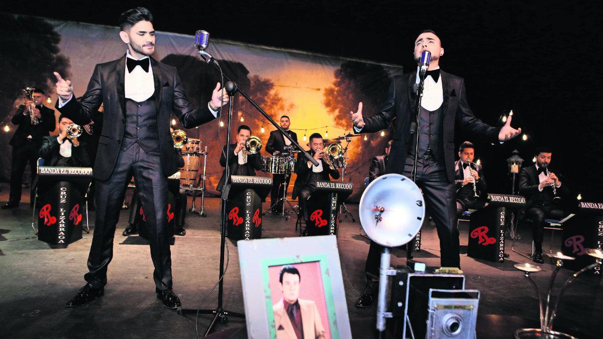 Vocalistas banda El Recodo Tributo José José