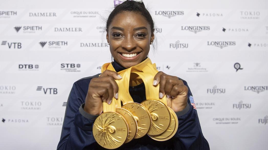 La estadounidense rompió el récord de la mayoría de medallas mundiales de cualquier gimnasta