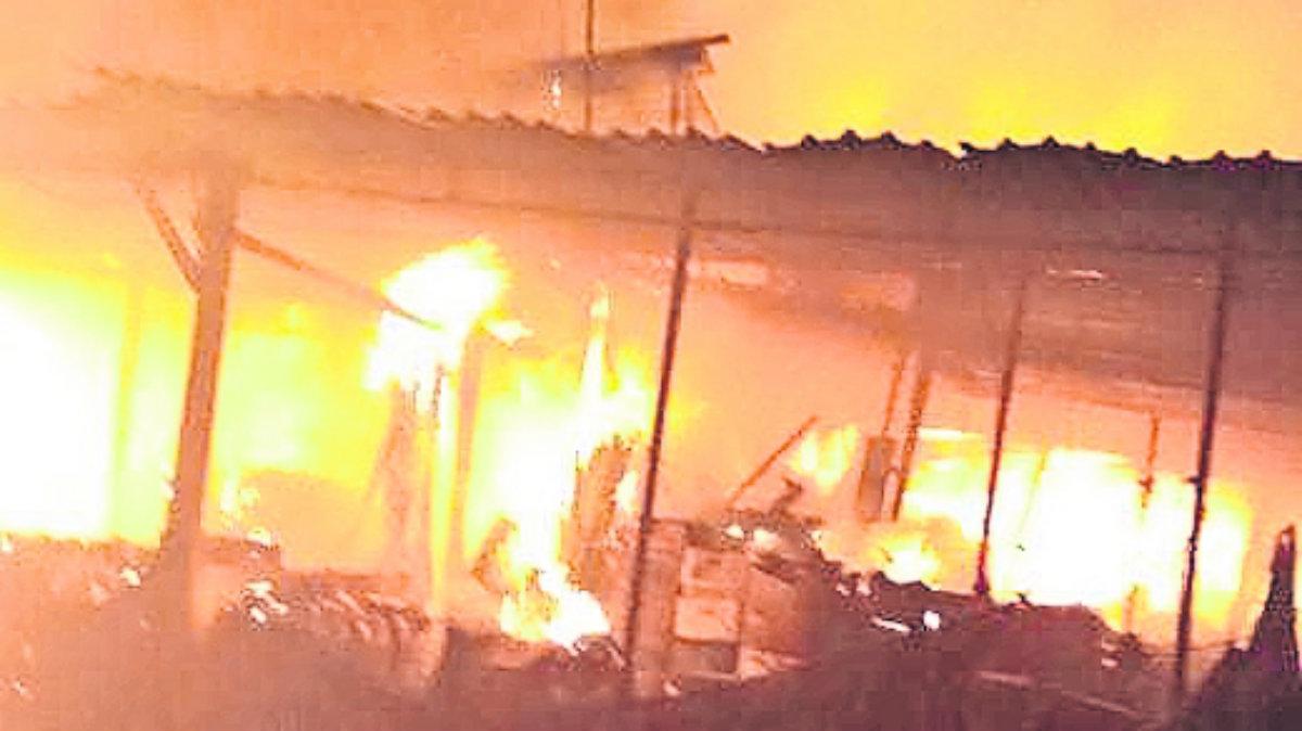 registra incendio en central de abasto ixtapaluca en Edomex