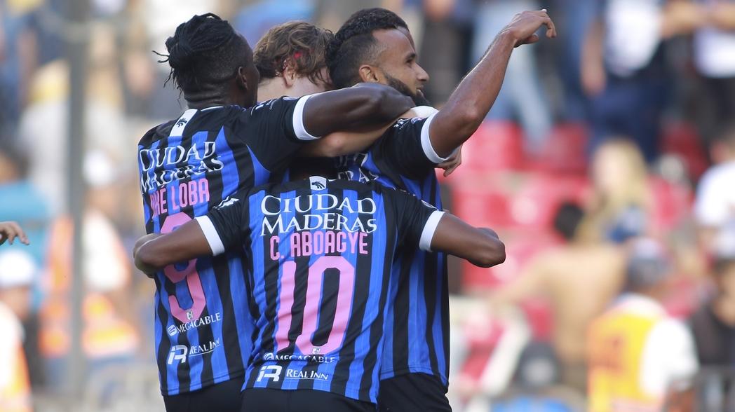 Festejo de los jugadores de Gallos en Querétaro
