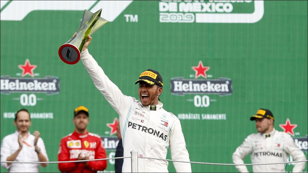 Lewis Hamilton se lleva el Gran Premio de México