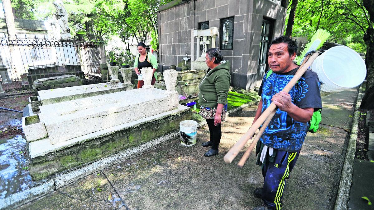 trabajadores de limpieza registran bajas ventas desempleo