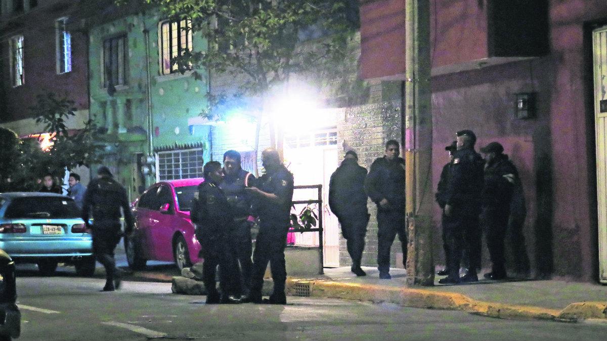 se registra balacera en calles de Neza policias matan a dos