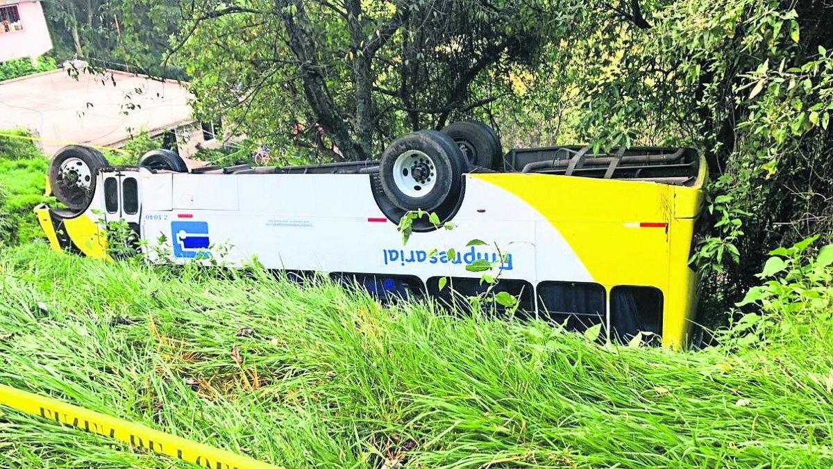 Chofer autobús pasajeros barranca Edomex