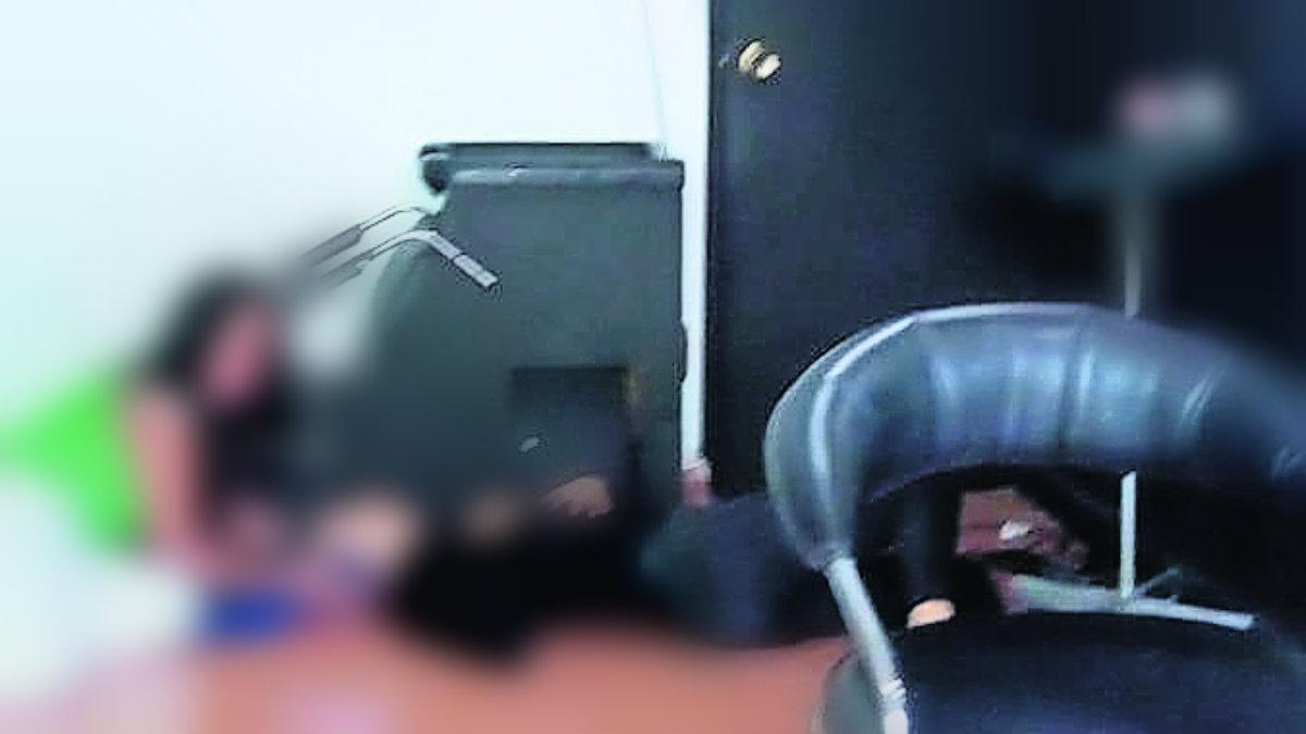 sicario salón de belleza estilista balazo cabeza plomo herido hospital cuernavaca