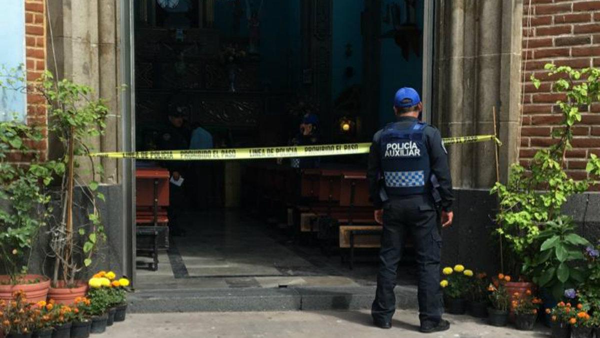muerto acuchillado iglesia iztapalapa