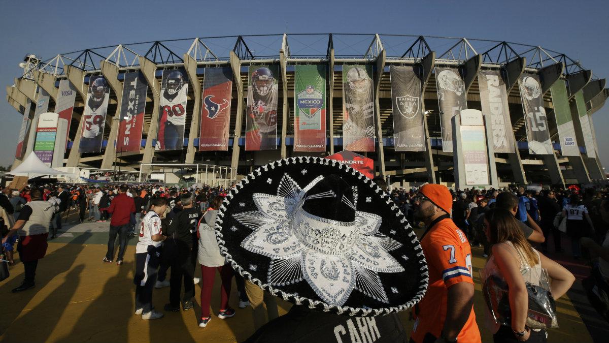 Abren las puertas del Estadio Azteca para celebrar el Monday Night Football