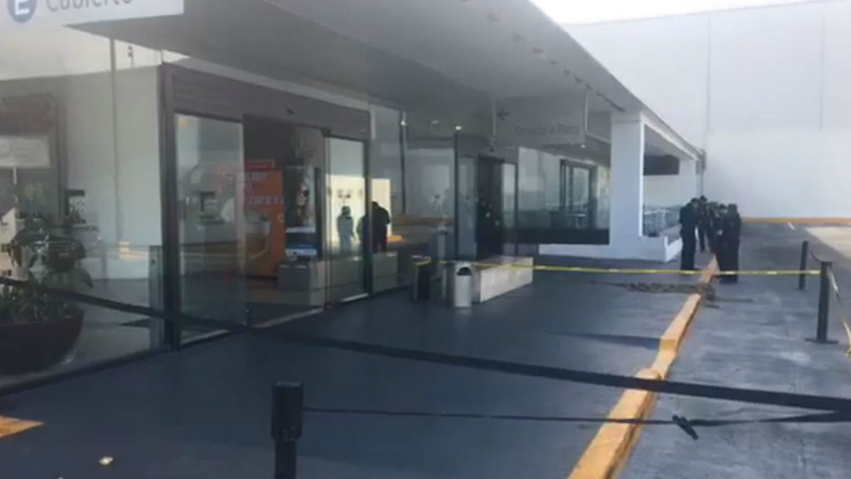 intento asalto baleado plaza universidad