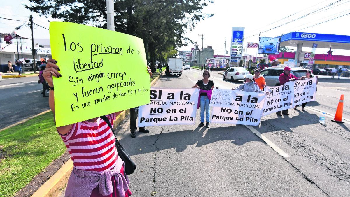 Detienen y golpean a activistas durante una manifestación en el parque La Pila, Edomex