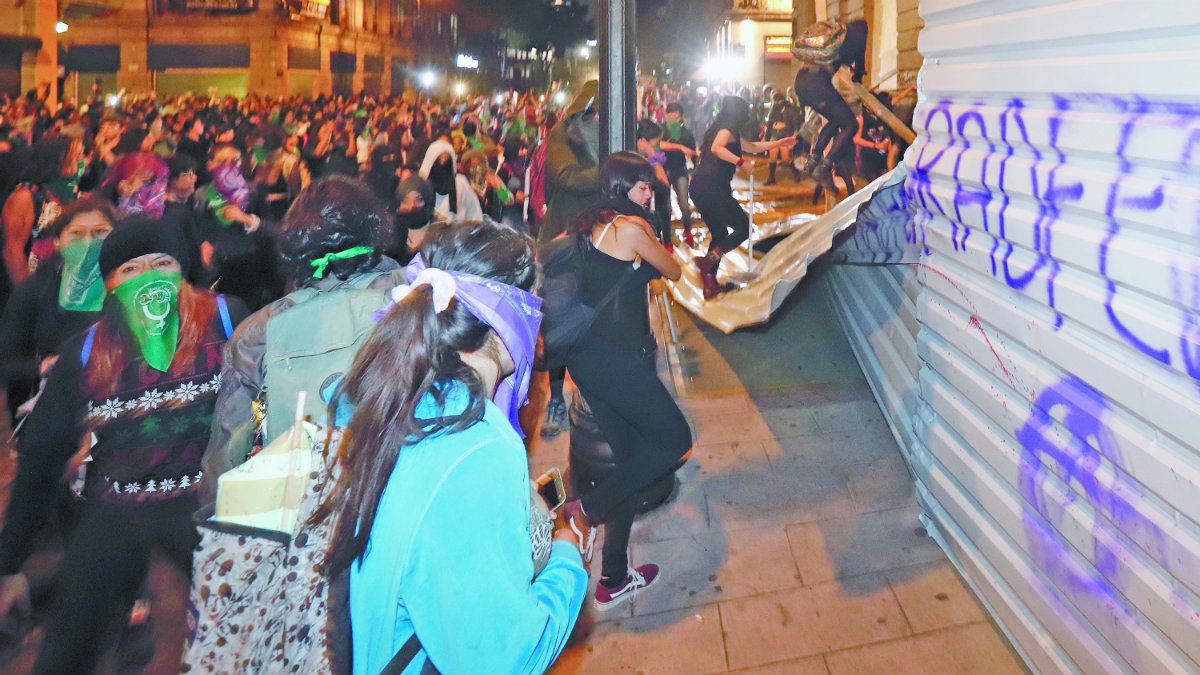 Blindaje monumentos CDMX marcha feminista