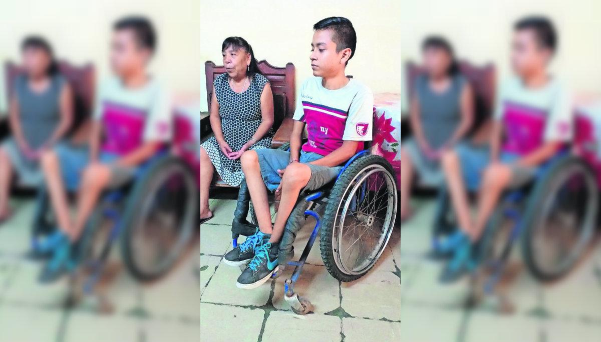 Accidente automovilístico deja inválido y huérfano a Érick; él pide ayuda desde Morelos