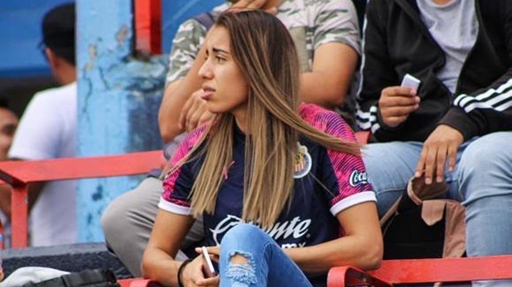 Futbolista de Chivas es discriminada por chófer americanista