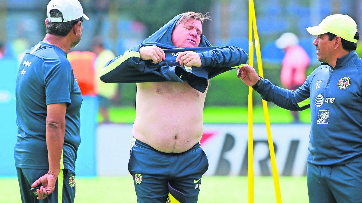 Tigres podría provocar el peor torneo de Miguel Herrera como técnico del América