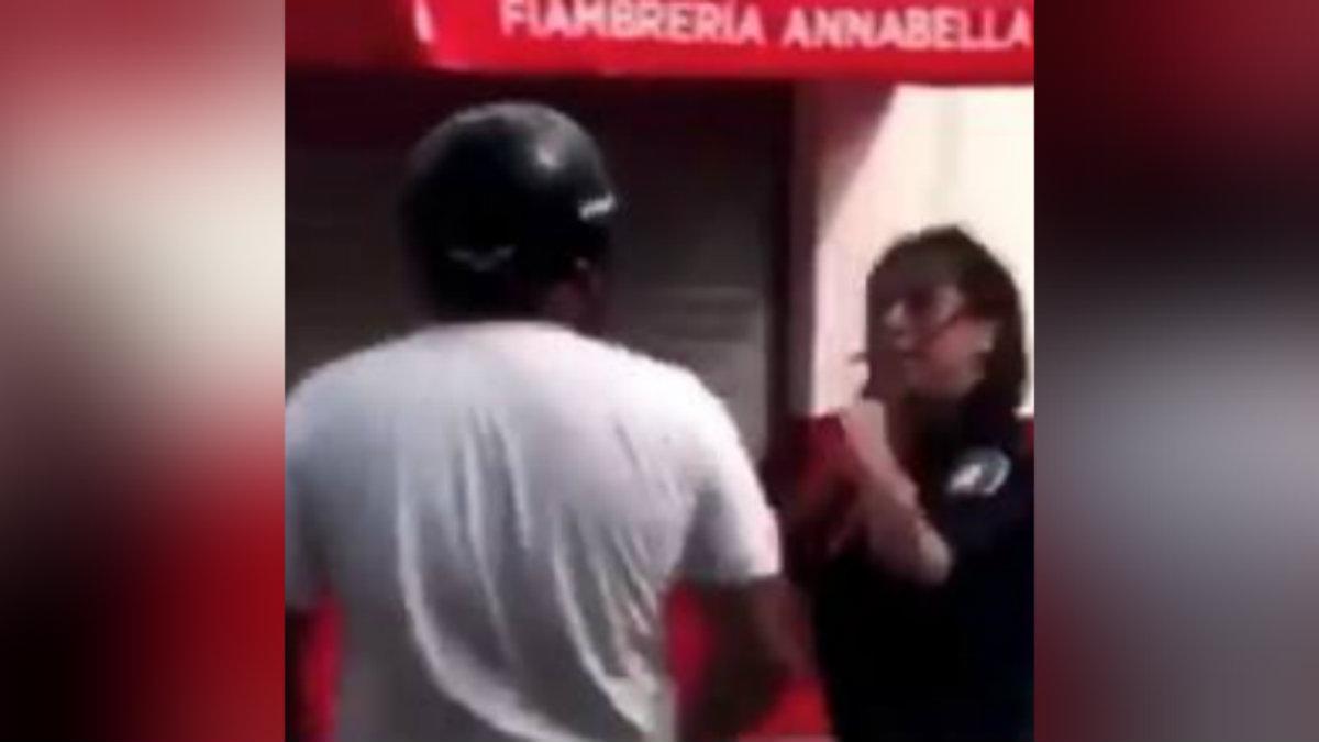 mujer policía cachetea bofetada motociclista san nicolás buenos aires argentina video lo detienen