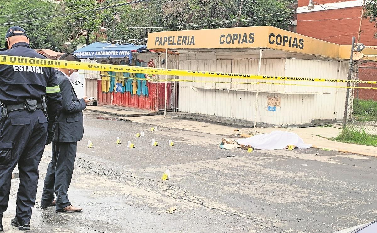 Sicaros acribillan de 30 balazos a hombre en el Edomex, autoridades indagan ajuste de cuentas