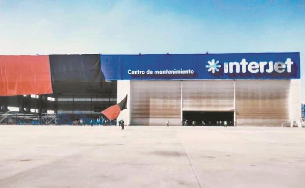 Huelga de Interjet llega a Toluca, personal clausura centro de mantenimiento de la Aerolínea
