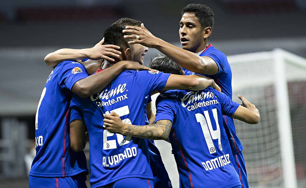 Cruz Azul derrotó a Mazatlán en el Azteca
