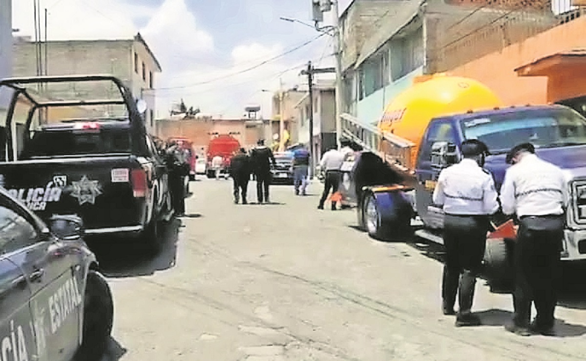 Explota tanque de gas en Edomex, dos gaseros y el dueño de una casa resultaron afectados