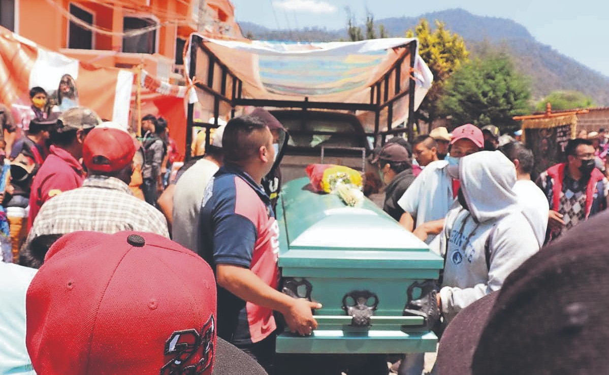 Sepultan a trabajadores mexiquenses que murieron en un accidente vehicular en Sonora