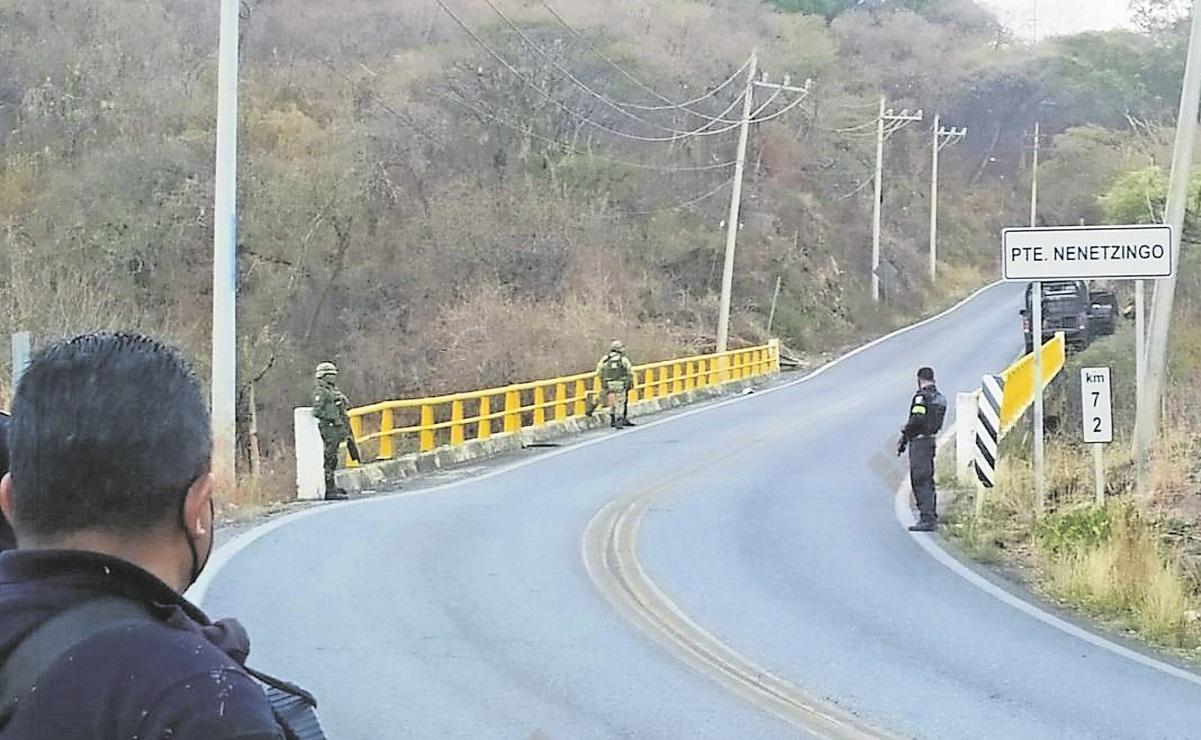 Hallan cuerpo de hombre sin vida y maniatado debajo del puente Nenetzingo en el Edomex