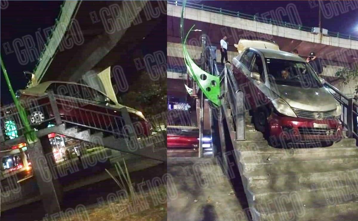 ¡Solo en Edomex! Taxista intenta cruzar con su auto un puente peatonal y se hace viral