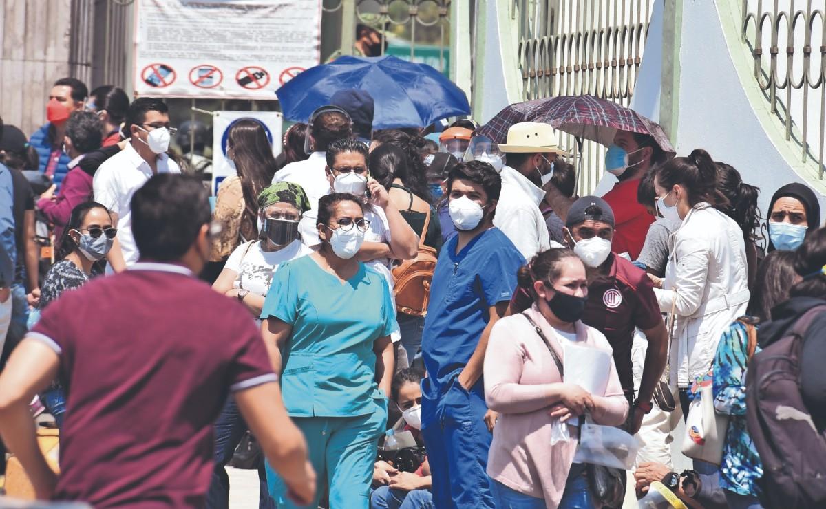 """""""Nos han anotado en listas y listas, pero no nos vacunan"""", reclaman más de mil mexiquenses"""