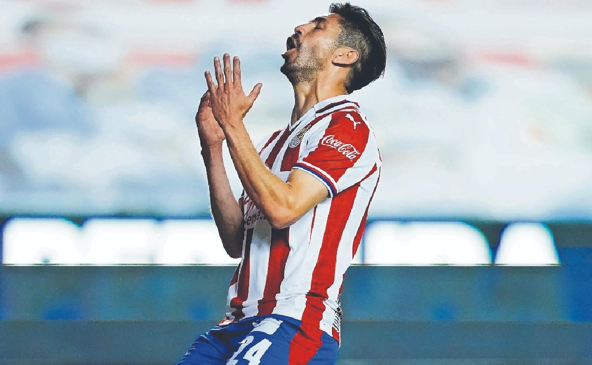 Oribe Peralta reconoce que ha aportado poco a las Chivas, no ha cumplido su objetivo