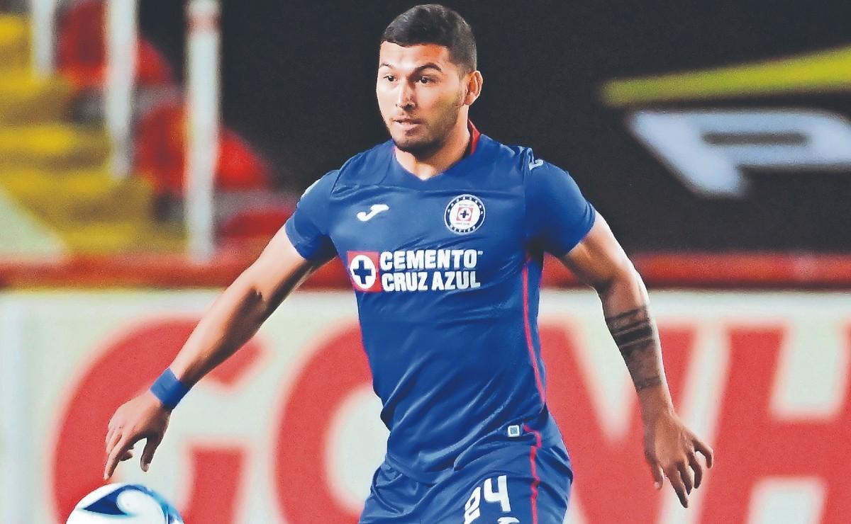 Juan Escobar advierte que el Cruz Azul va con todo para llevarse el campeonato