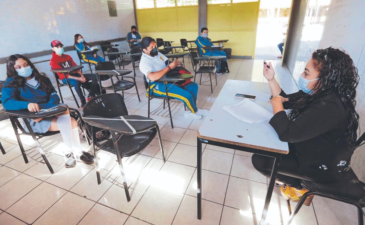 Harán diagnóstico socioemocional a niños y maestros en el regreso a las aulas, en CDMX