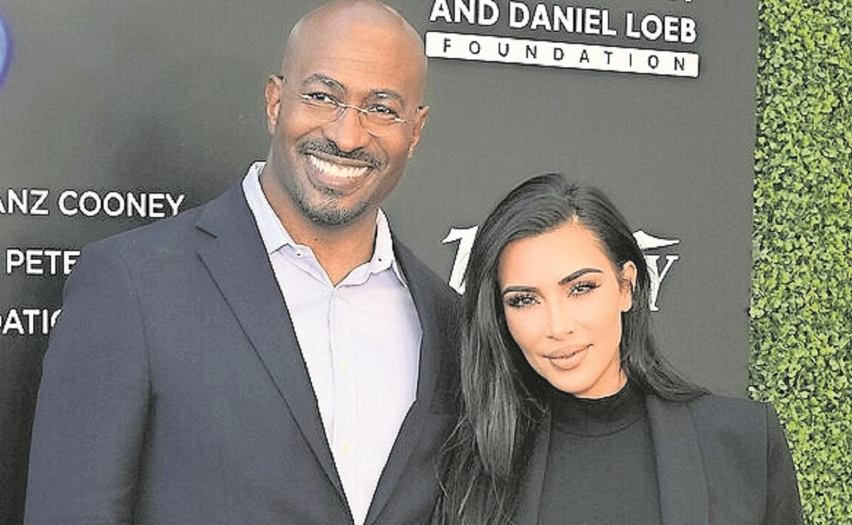 Afirman que Kim Kardashian está saliendo con el comentarista político Anthony Van Jones