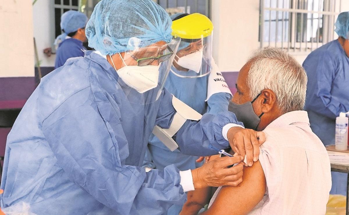 Inicia segunda dosis de Pfizer contra Covid en adultos mayores, en Morelos