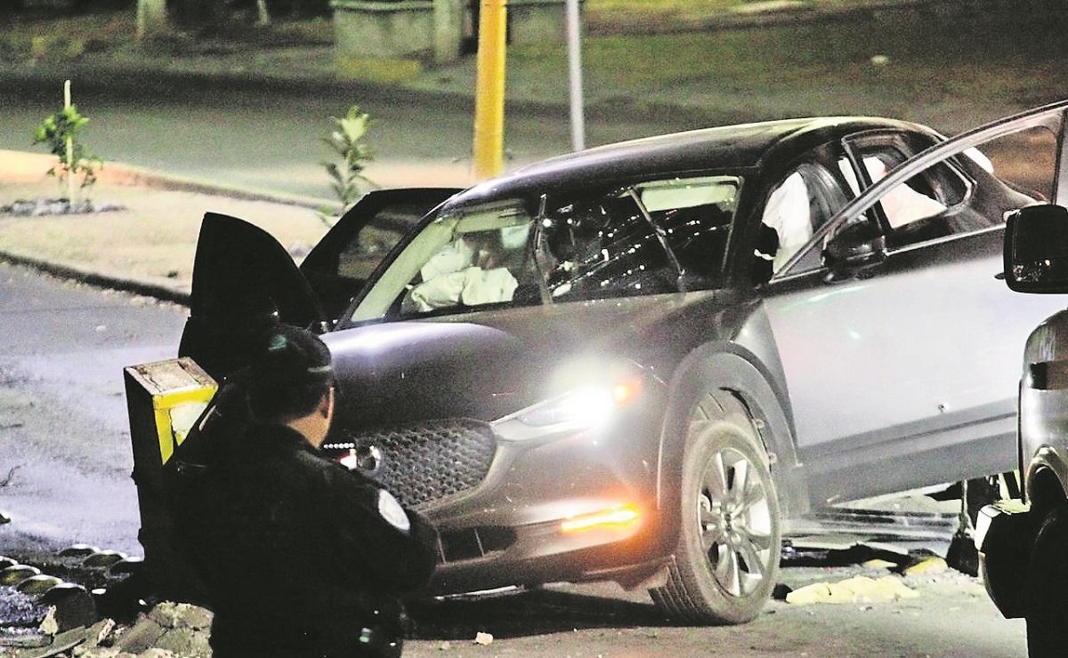 Disparan contra coche donde iban el primo y dos primas, muere una en Morelos