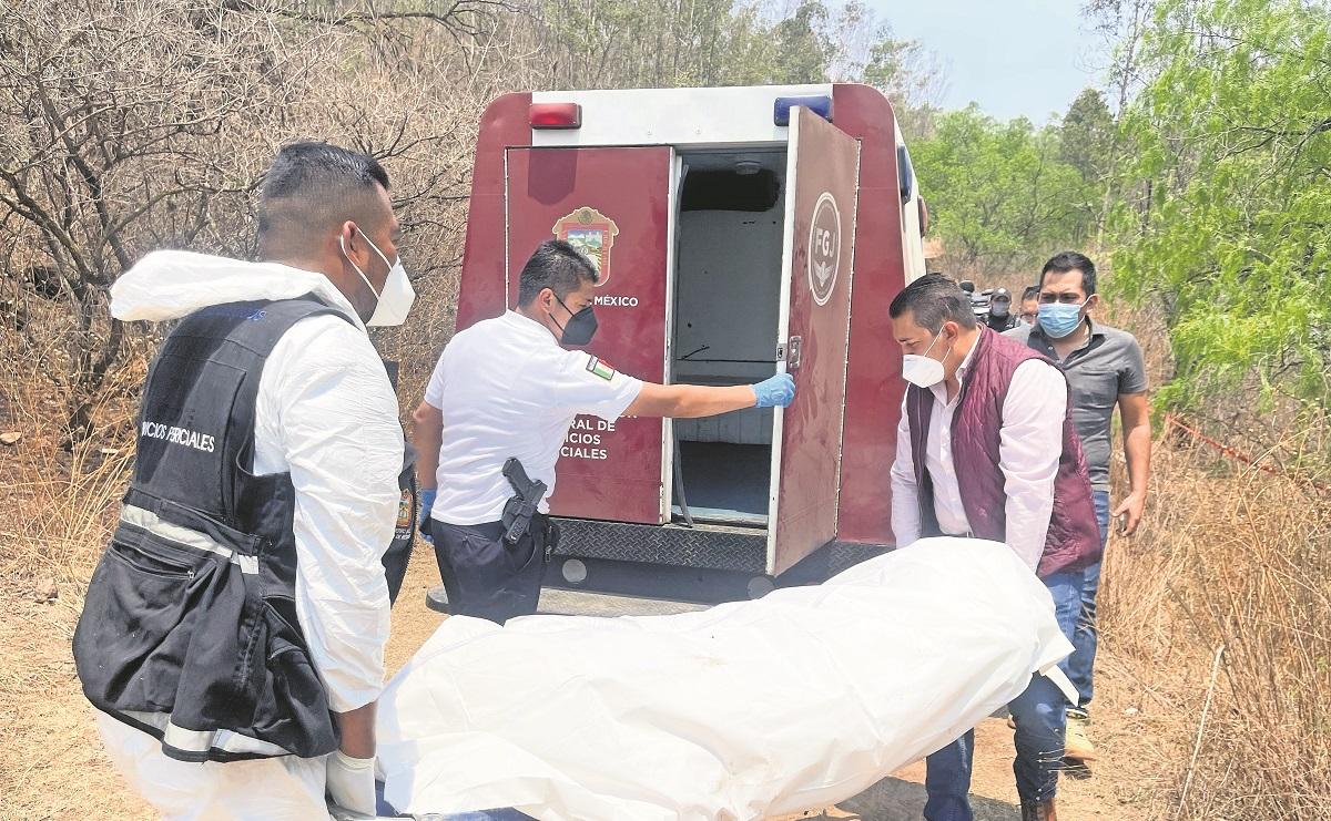 Hallan cuatro bolsas con restos humanos en el sendero Cola de Caballo, en Edomex