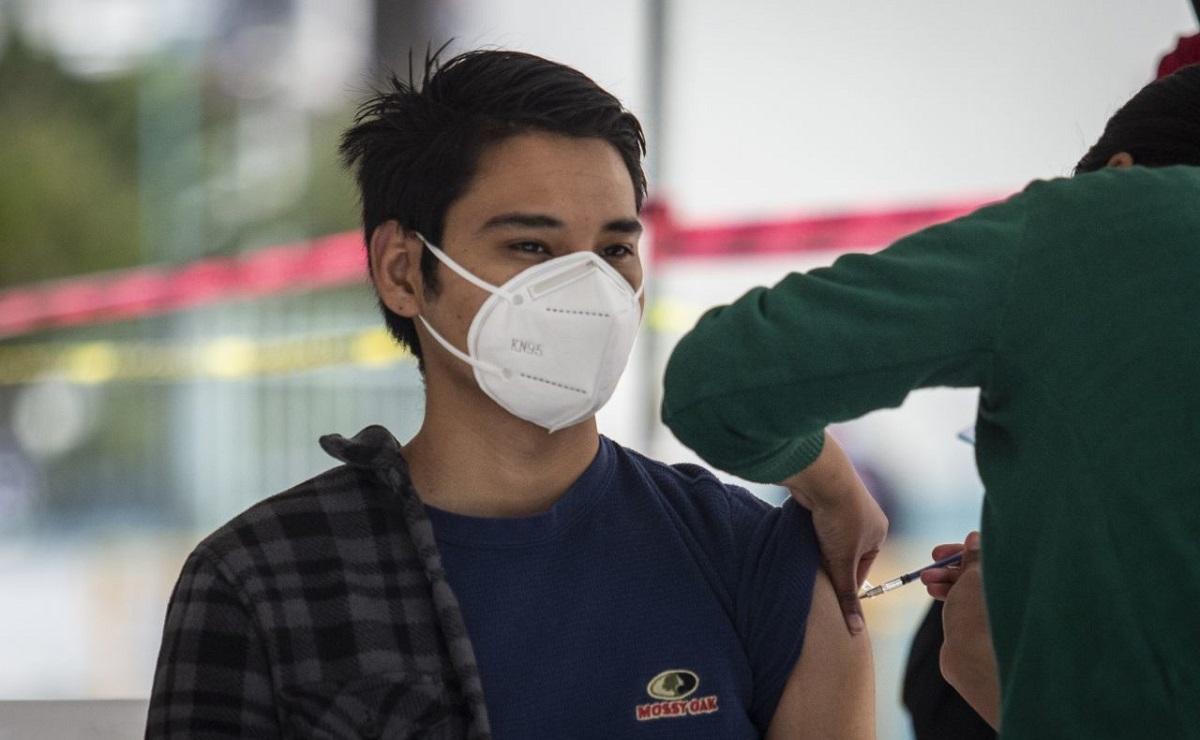 AMLO pronostica que en julio, 50 millones de mexicanos estarán vacunados