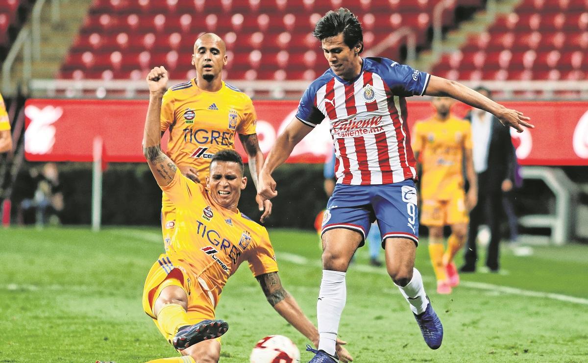 Checa el horario y dónde ver el Chivas vs Tigres del Guardianes 2021