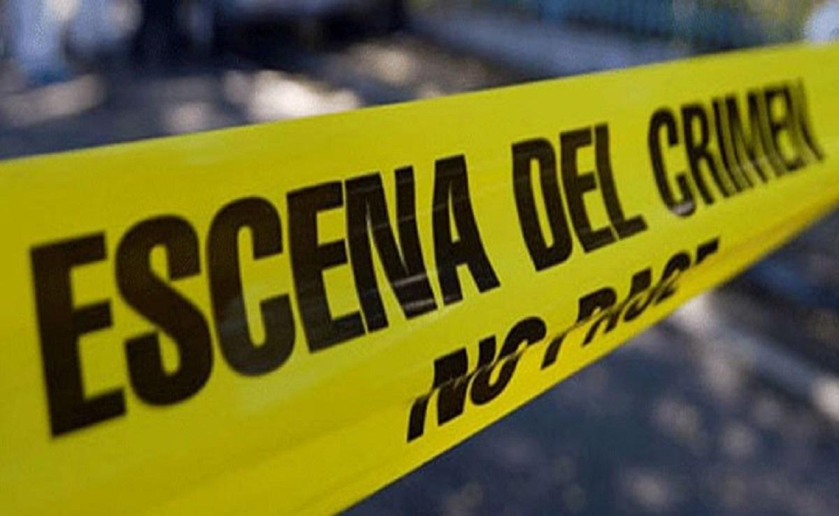Sicarios acribillan de 6 balazos a hombre que viajaba como pasajero de un taxi en Edomex