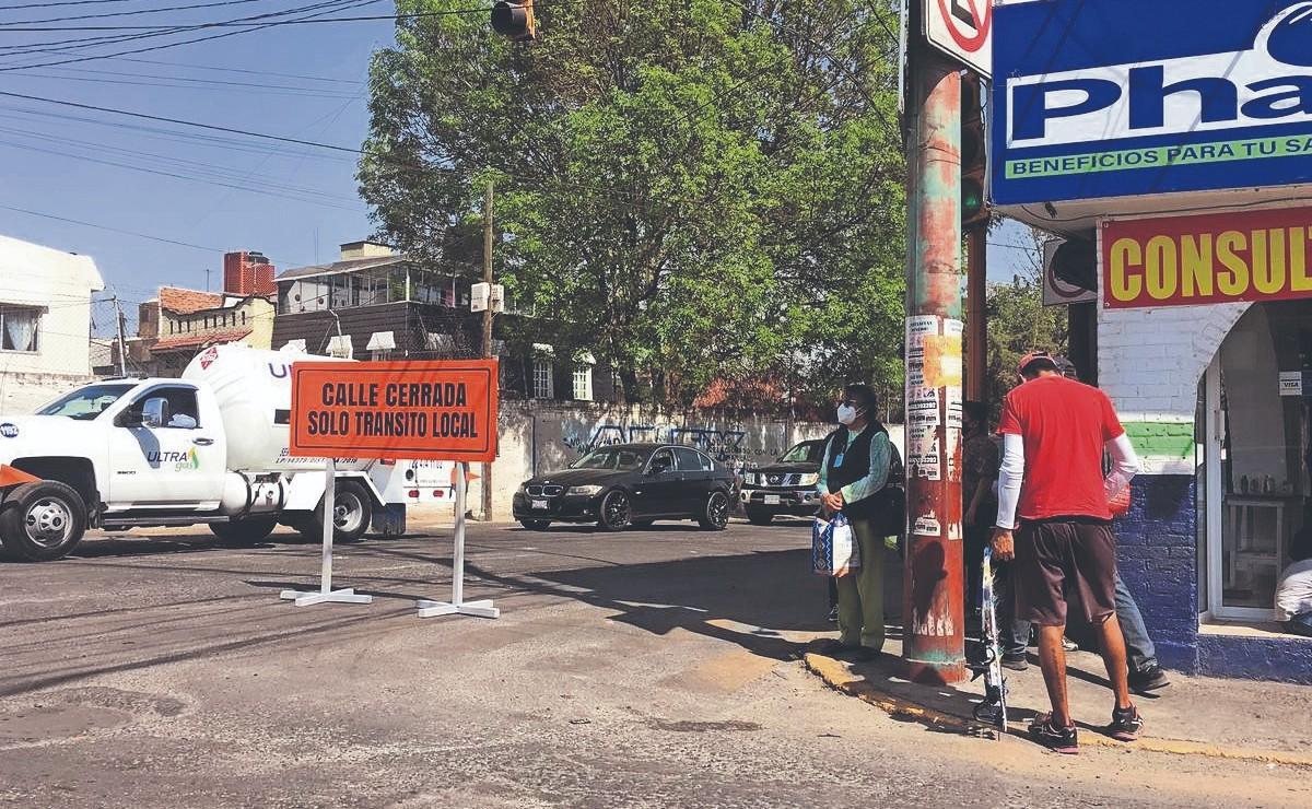 Mexiquenses acusan que autoridades no tienen para cuando acabar obra de colector sanitario