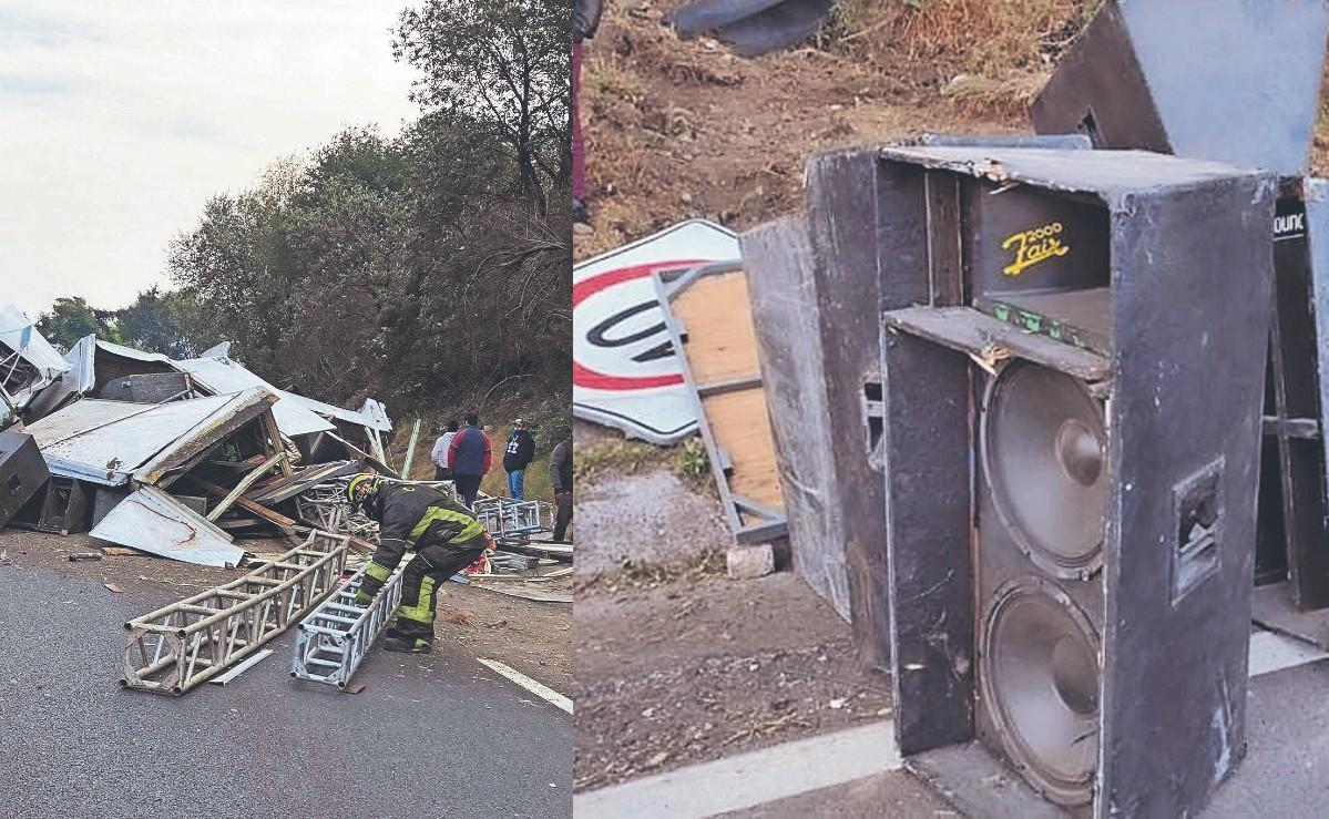 Vuelca camión con equipo de sonidero sobre la México-Toluca y deja un muerto
